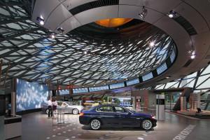 Юбилейный 150-тысячный суперкар от музея БМВ был передан своим новым владельцам!