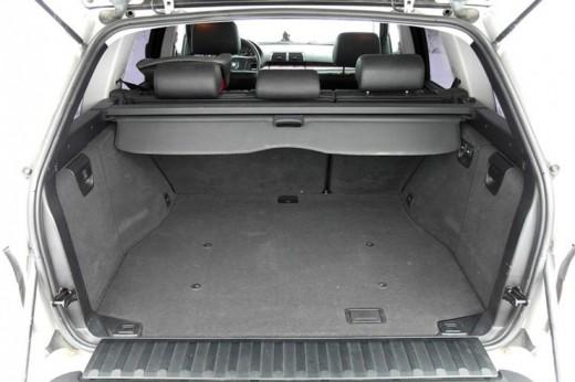 Как поменять упор в багажнике БМВ Х5 Е53